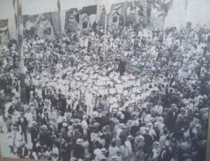 Folla madwar il-Banda fi Żmien Artz