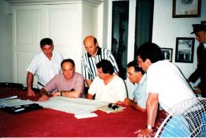 Il-Kummissjoni Planċier waqt waħda mill-ewwel laqgħat