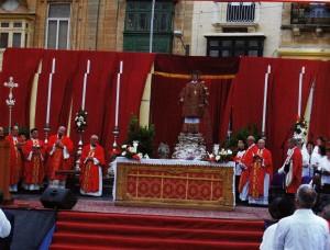 Il-Quddiesa bl-istatwa ta' San Lawrenz nhar l-Ewwel Erbgħa tal-2008