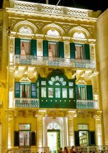 Il-Faċċata ta' Palazzo Huesca